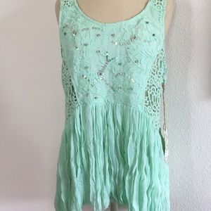 NWT Gimmicks by BKE beaded crochet lace top